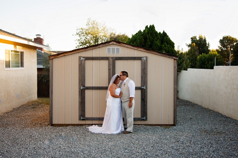 photography by paulina los angeles sunset barn wedding photo